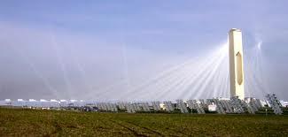 Las empresas termosolares se defienden, la luz bajaría si se limitaran los beneficios excesivos de las eléctricas.