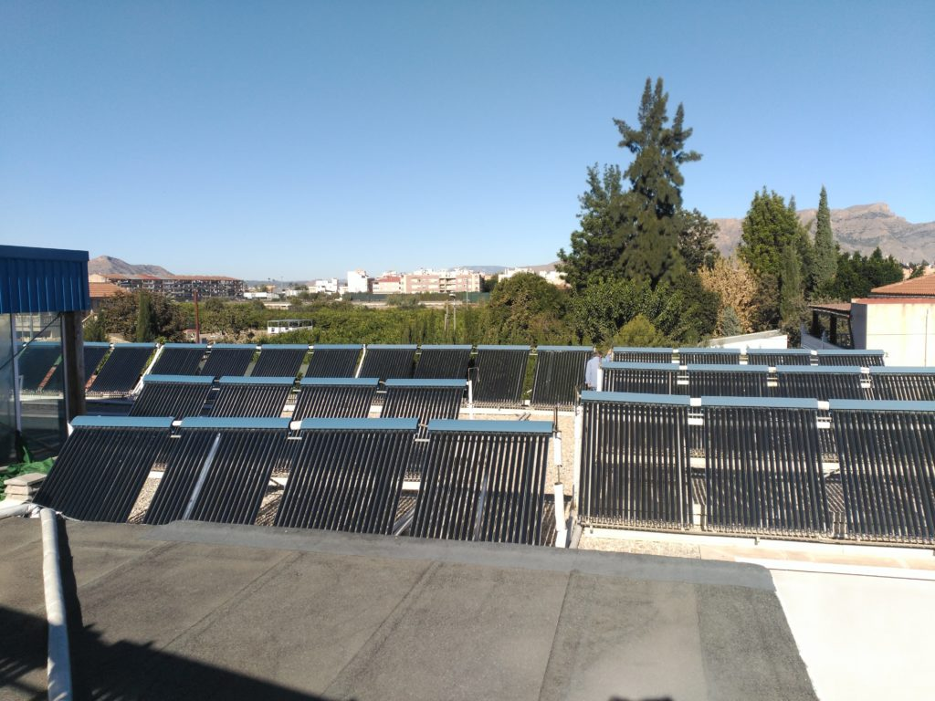 Energía Solar Térmica tubos de vacío Heat Pipe Piscina de Beniel