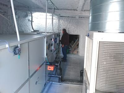 Climatización de quirófano. UTA + Bomba de calor en sala de máquinas