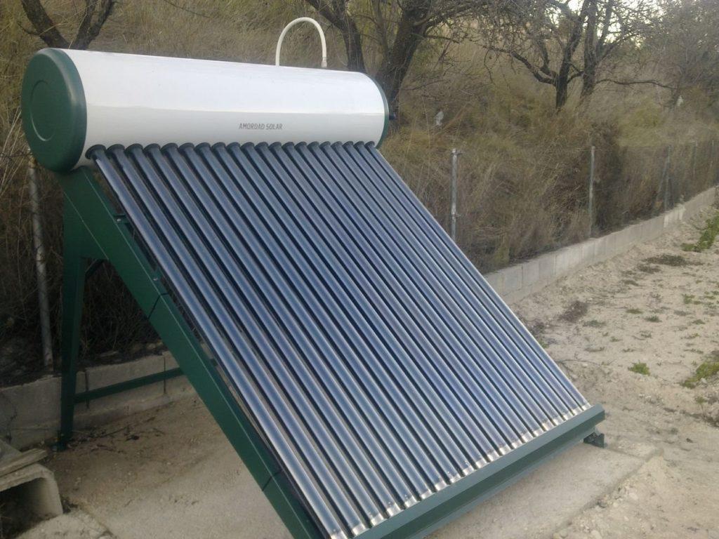 Equipo termosifón de 200 litros de energía solar térmica