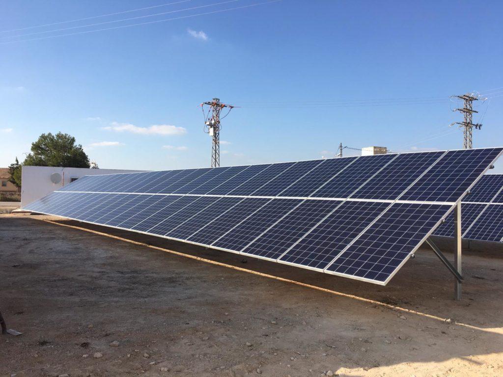 Módulos de energía solar fotovoltaica en Agropor.