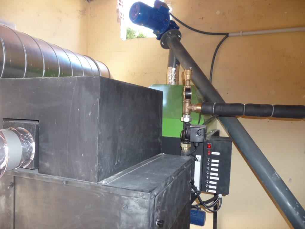 Tornillo sin fín para carga de biomasa