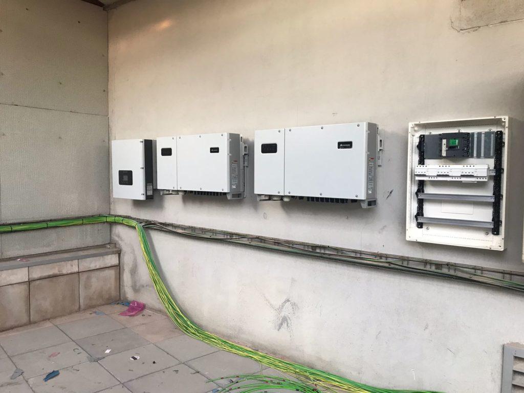 Proceso instalación cable eléctrico e inversores