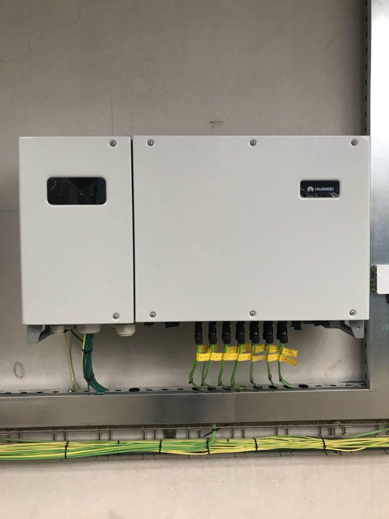 Inversor instalación energía solar fotovoltaica