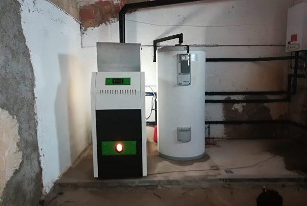 Biomasa ahorro agua caliente.